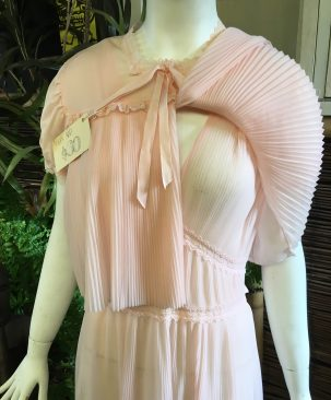 30s 40s peach night set pleats